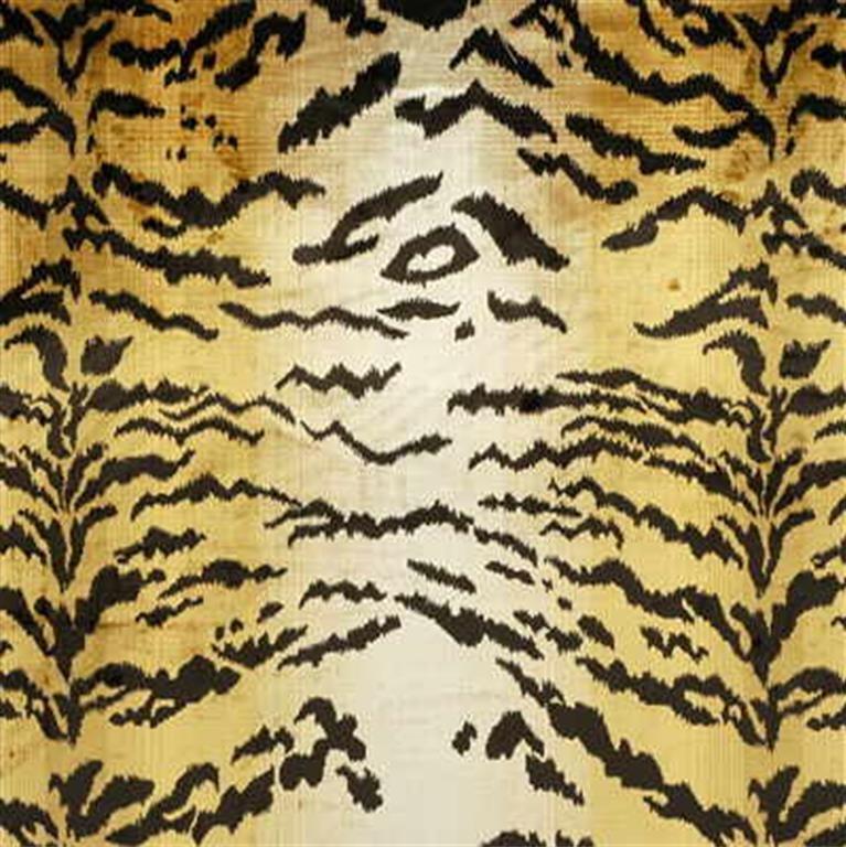 2005227.4 Silk Tiger Velvet Oro by Lee Jofa